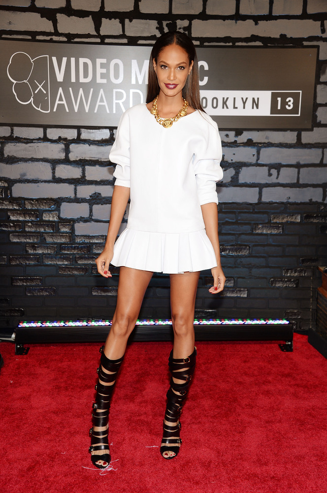 vmas joan smalls (viktor and rolf)